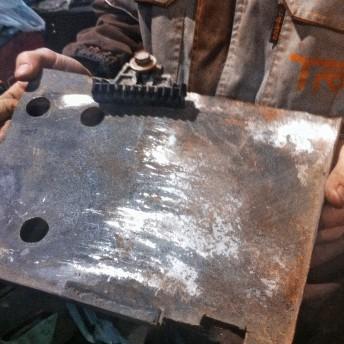 Самодельная площадка аккумулятора Додж Калибр, оригинальная повреждена в ДТП