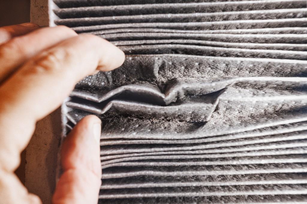 Пыль внутри салонного фильтра Додж Калибр