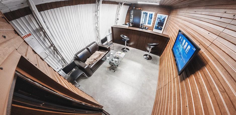 Офис и уютная зона ожидания ТРС-Моторс