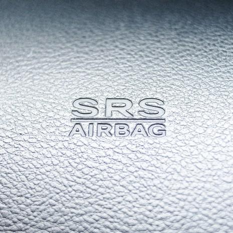 Штамп SRS Airbag на оригинальной инструментальной панели