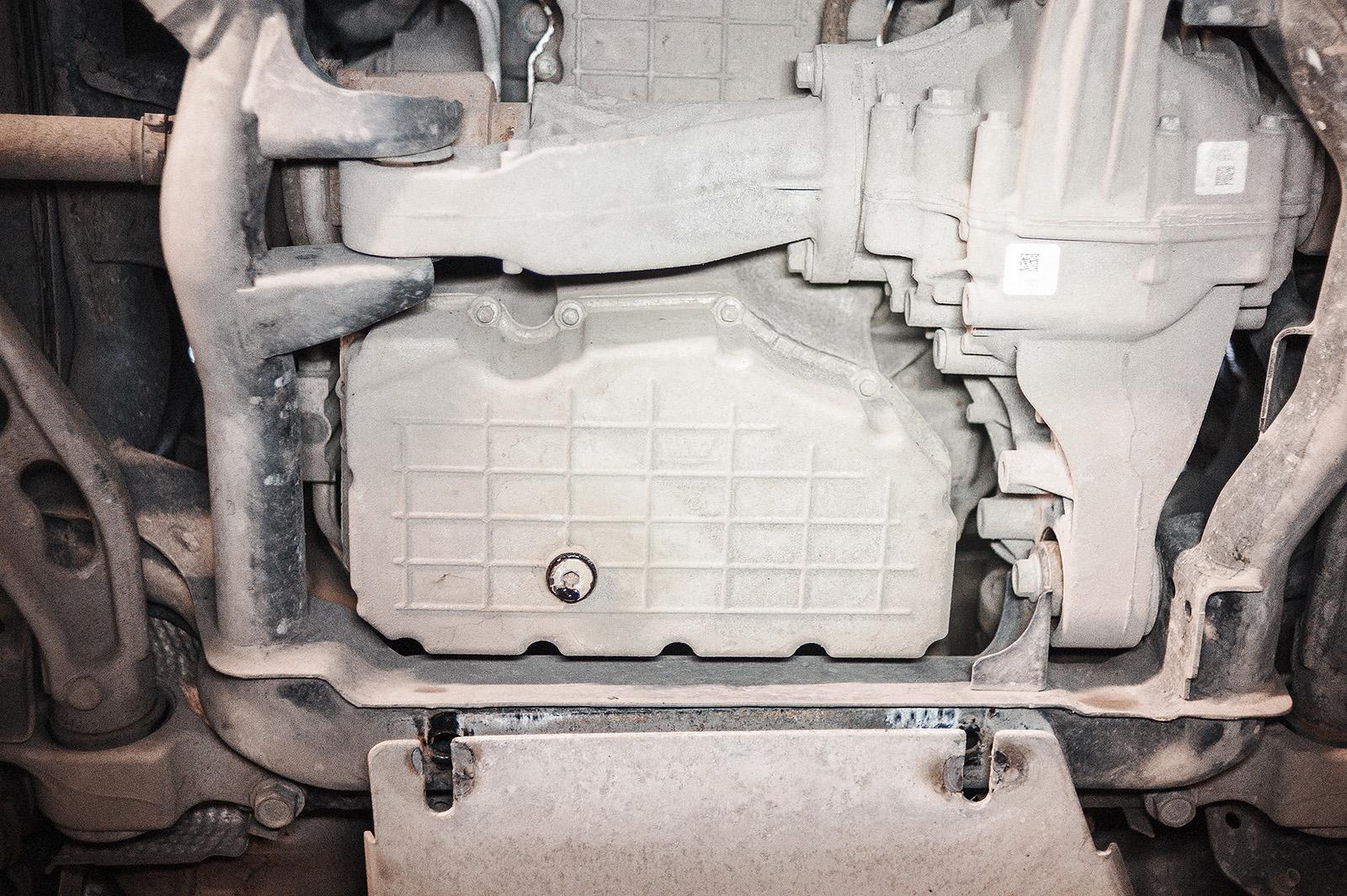 Сливное отверстие поддона двигателя Джип Гранд Чероки