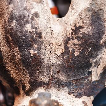 Трещины выпускного коллектора (вид снизу)
