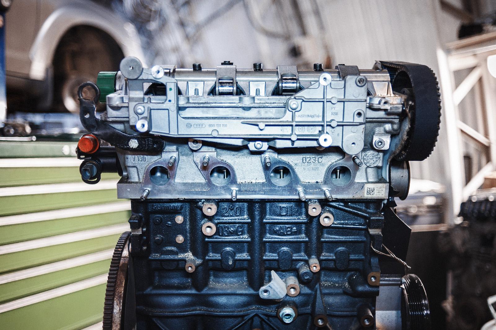 Двигатель Додж Джорни в заводском состоянии, только посмотрите на выпуск!