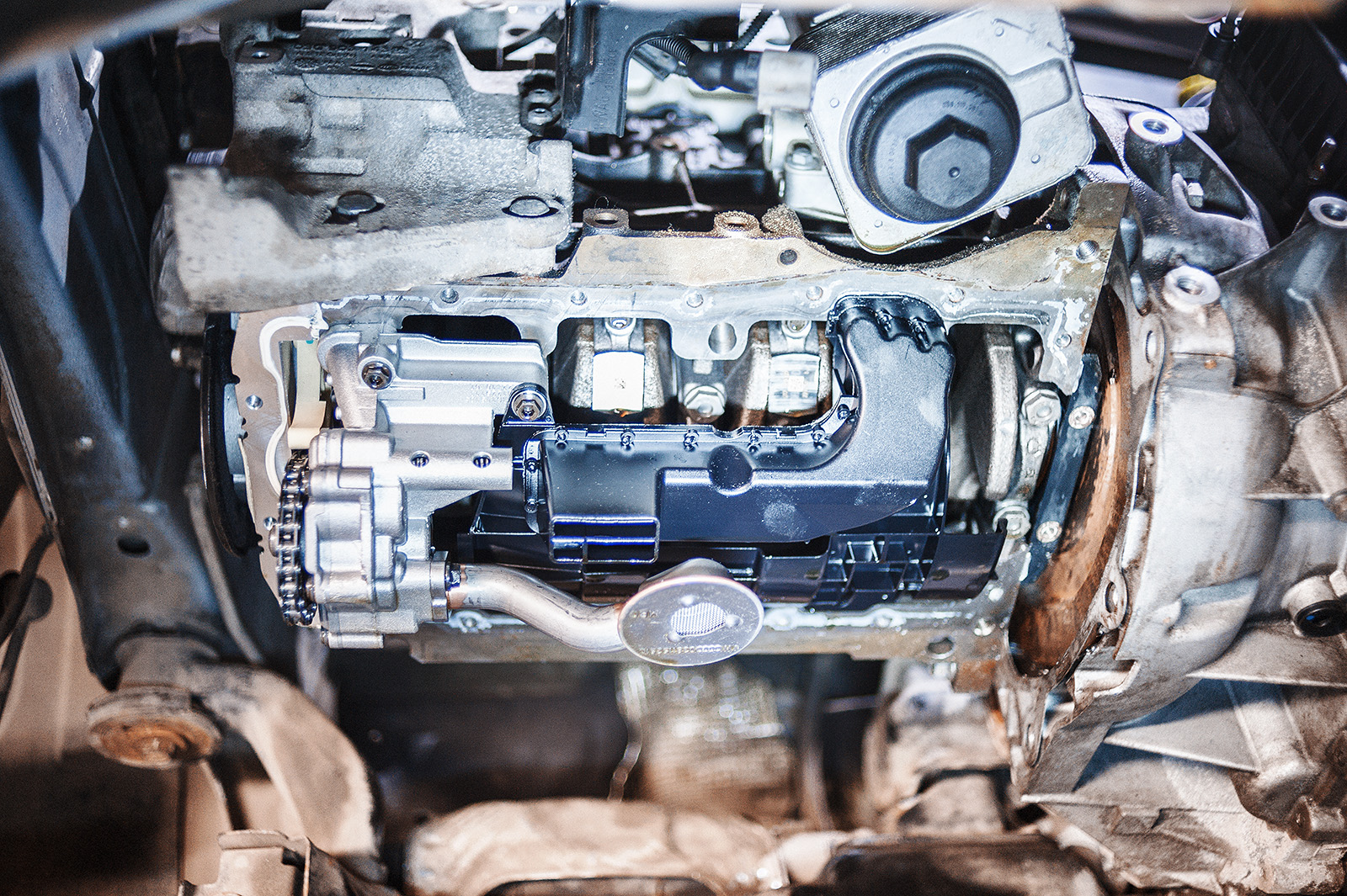 Полюбуйтесь на состояние двигателя, он же вообще без пробега!