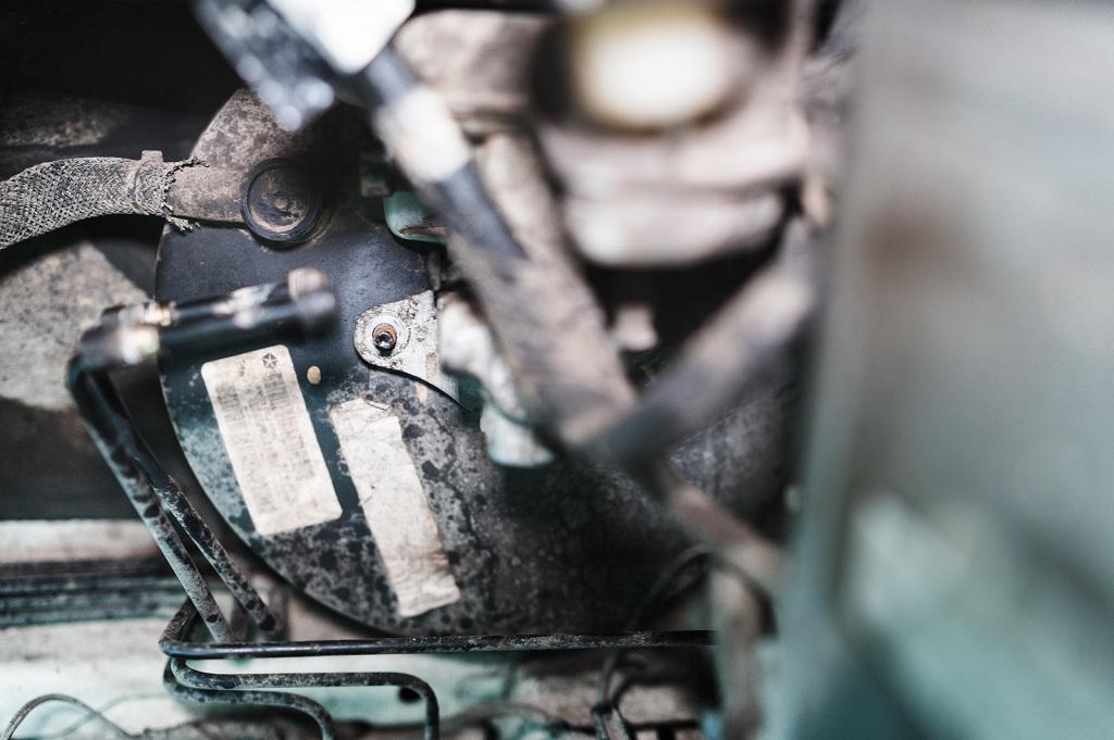 Болты крепления главного тормозного цилиндра