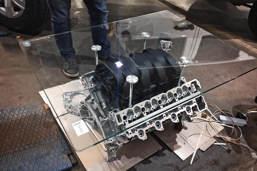 Стол из двигателя в первом приближении