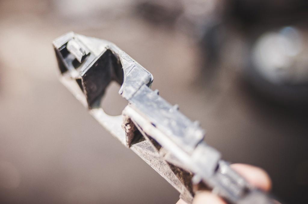 Сломанный крепёж переднего бампера Додж Джорни