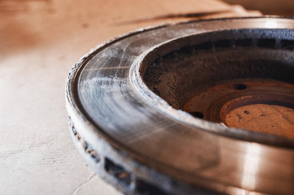 Чрезмерный износ тормозных дисков Додж Калибр