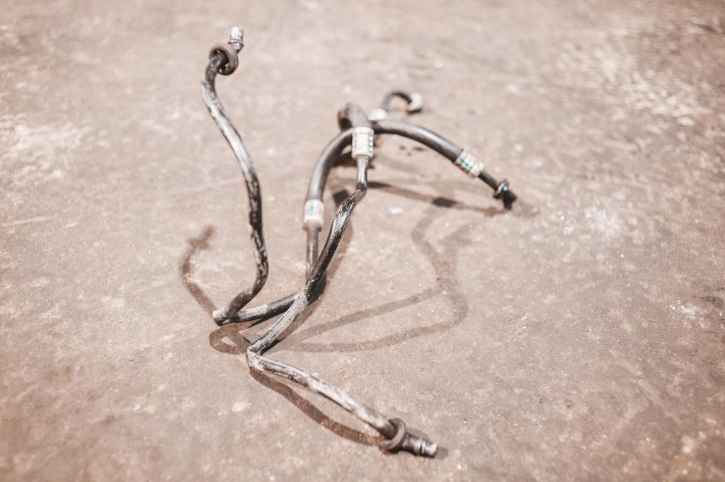 Загадочная фигура из трубок маслоохладителя