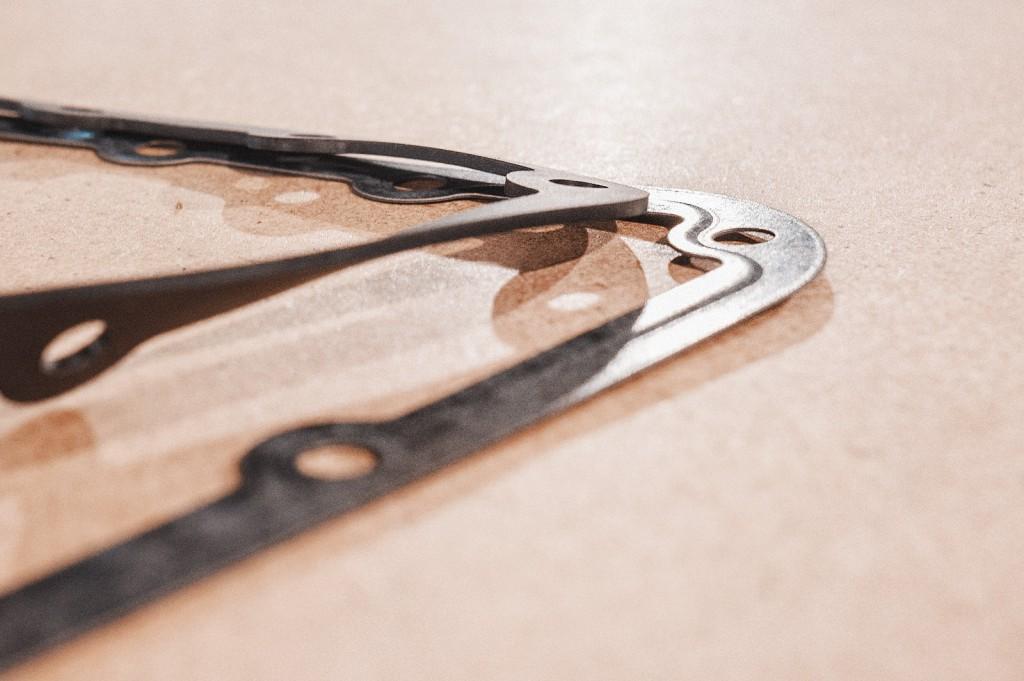 Отличия оригинальной прокладки от резиновой