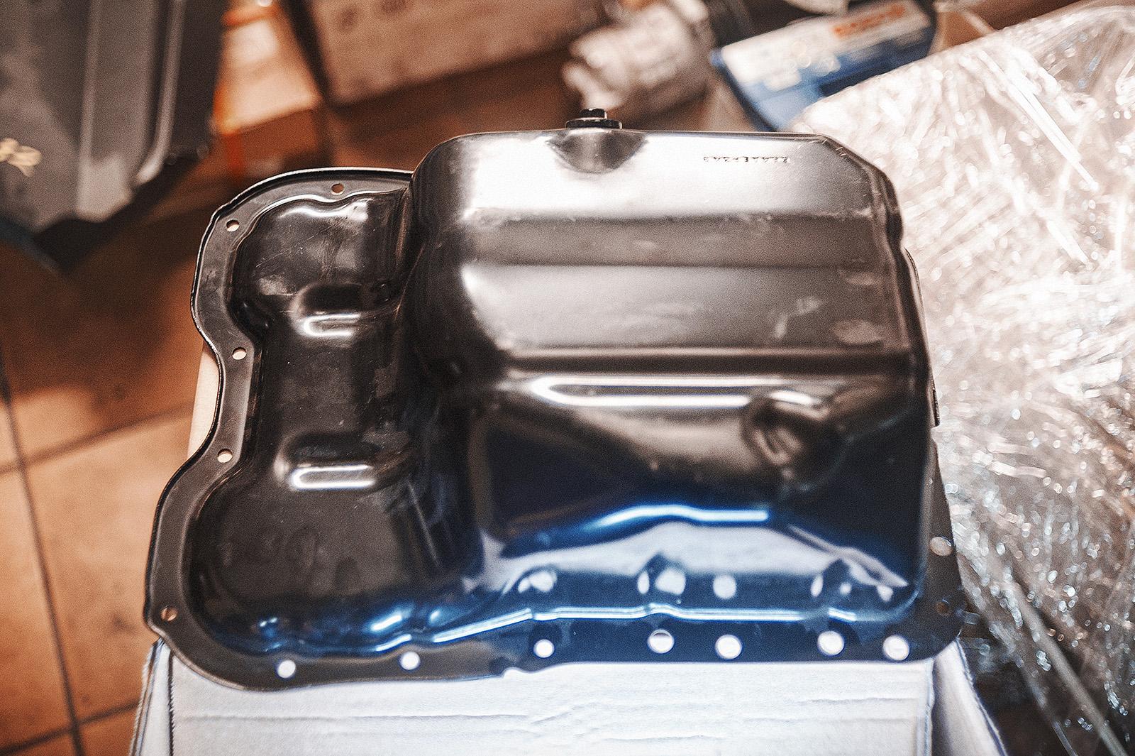 Масляный поддон двигателя Додж Калибр (1.8 литра)