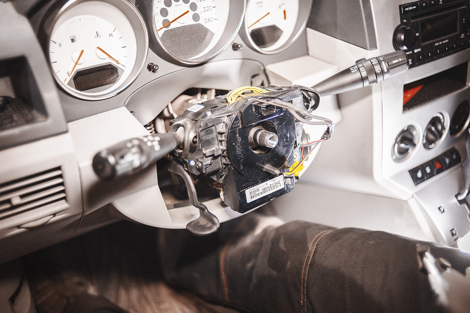 Додж Калибр со снятым рулевым колесом