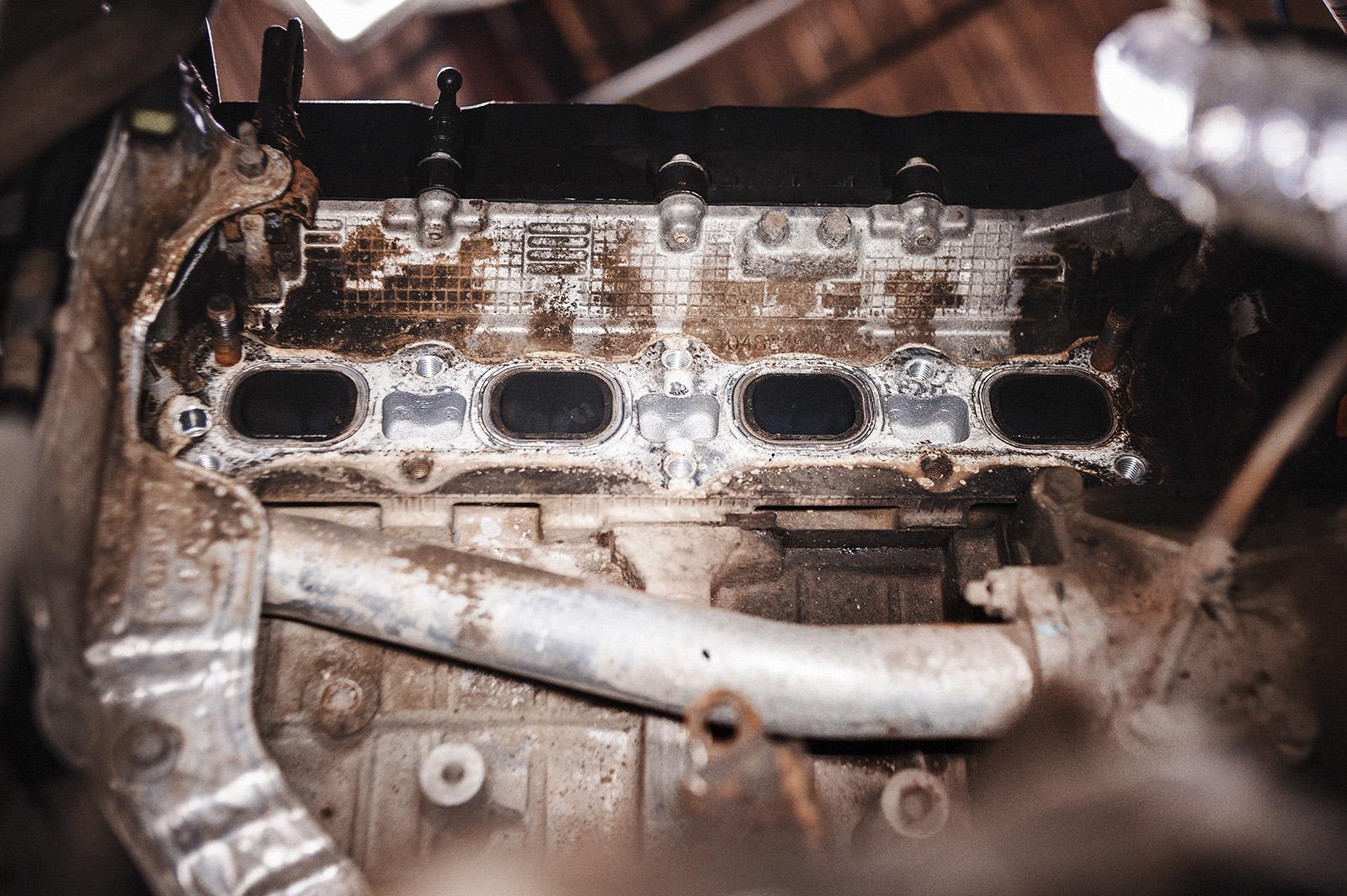 Место установки выпускного коллектора на двигатель