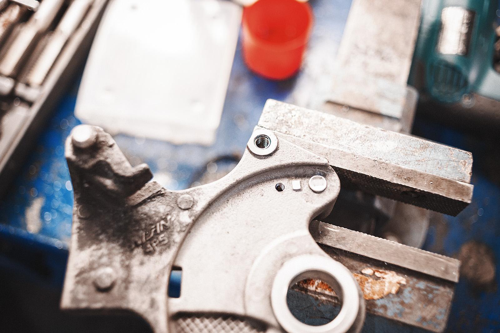 Восстановление резьбы суппорта Yamaha Fazer