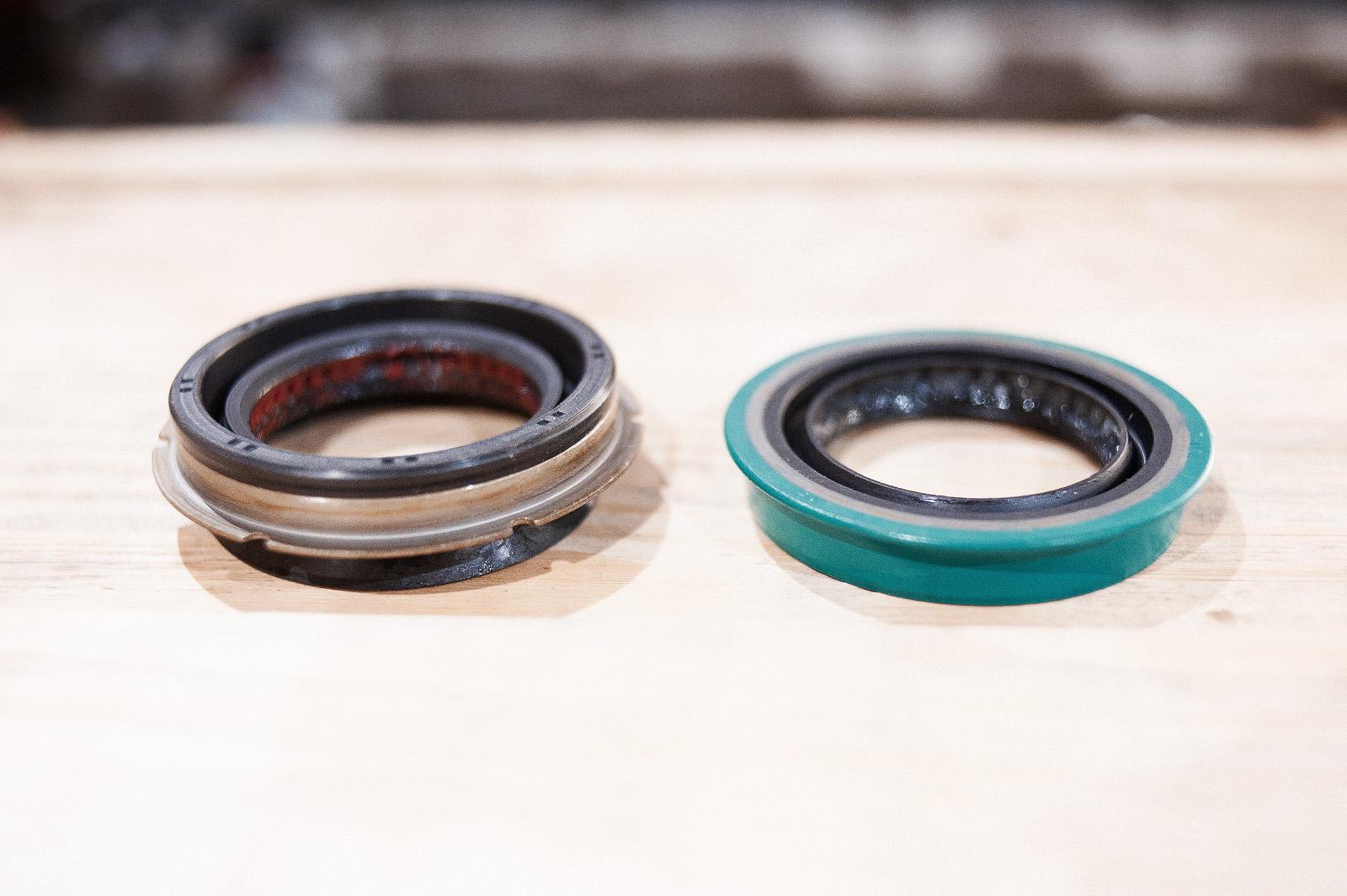 Оригинальный сальник правого привода обладает дополнительной защитой