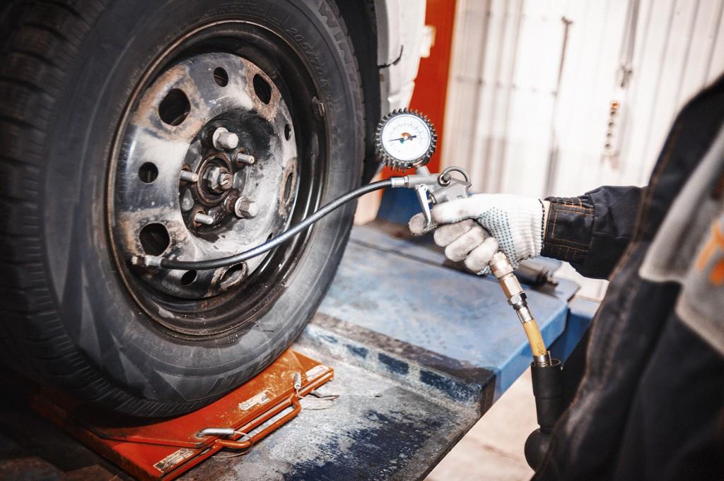 2.4 бара – верное давление в шинах Додж Калибр