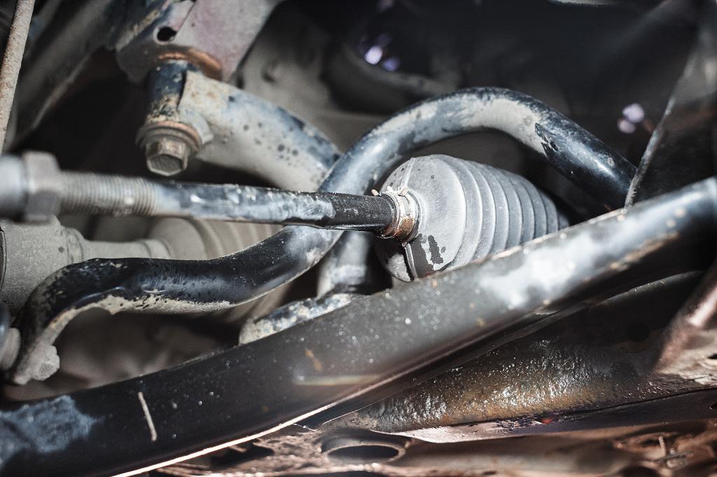 Масло ГУР вытекает из пыльника рулевой тяги