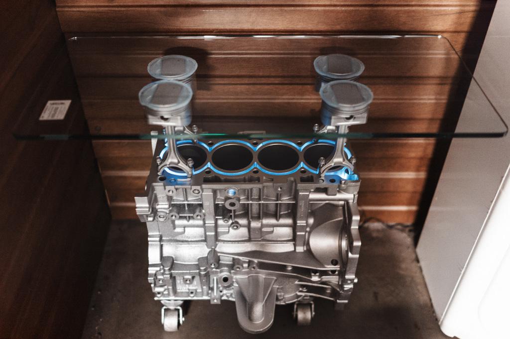 Стол из двигателя Додж Джорни 2.4