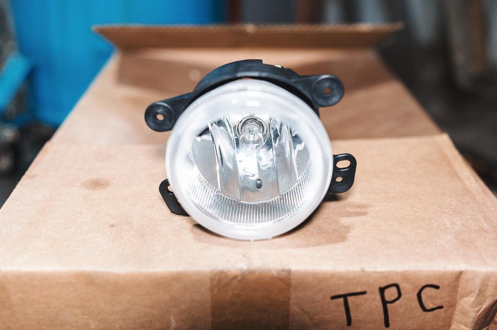 Приятная мелочь – противотуманки приехали с лампочками