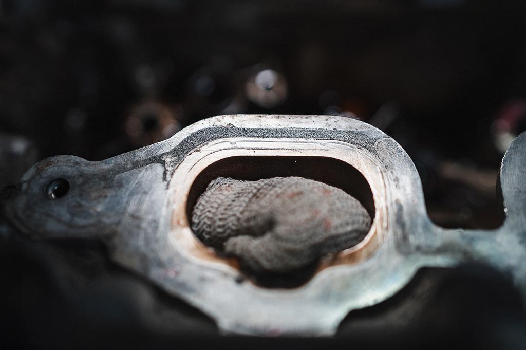Коррозия и механические повреждения головки блока цилиндров Додж Джорни 3.6