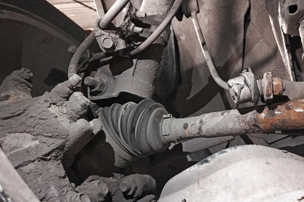 Согнутая передняя стойка стабилизатора