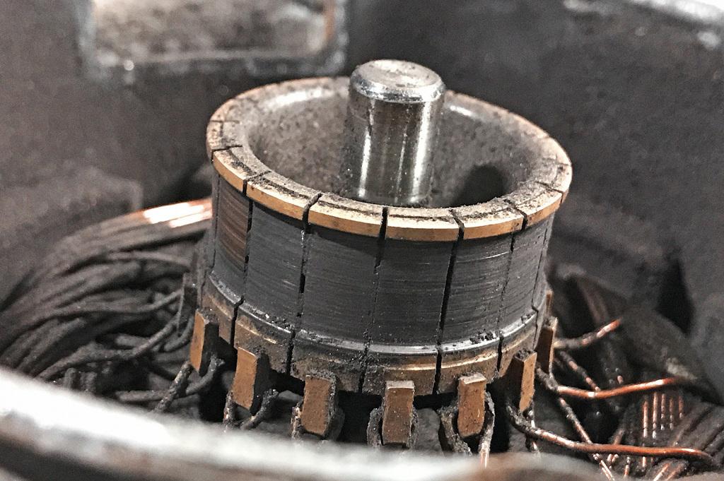 Коллектор двигателя вентилятора Додж Джорни