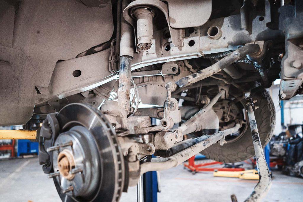 Снимаем передние пружины Jeep Wrangler