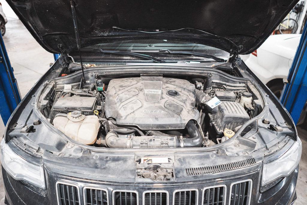 Старый дизельный двигатель с новой коробкой передач