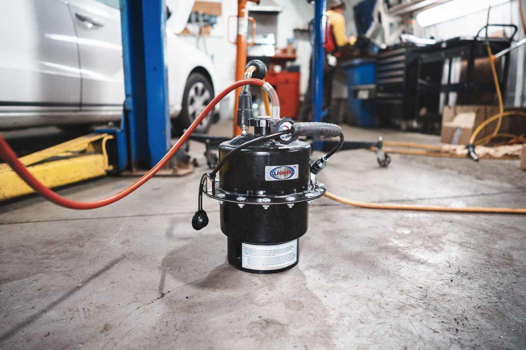 Устройство для замены тормозной жидкости
