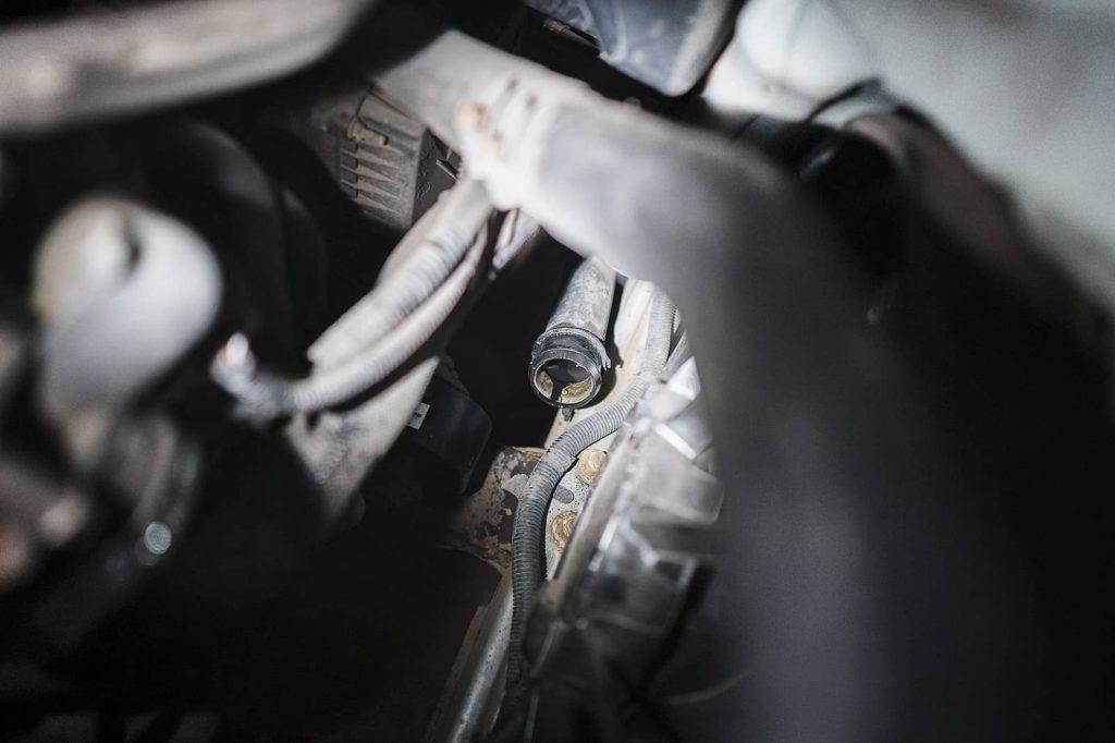 Турбина гонит масло, причём в солидных объёмах