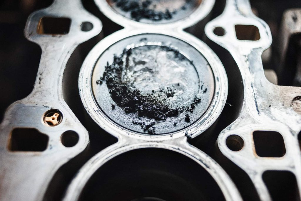 И такие отложения по всему двигателю