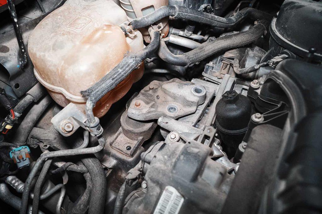 Место установки правой опоры двигателя Додж Джорни