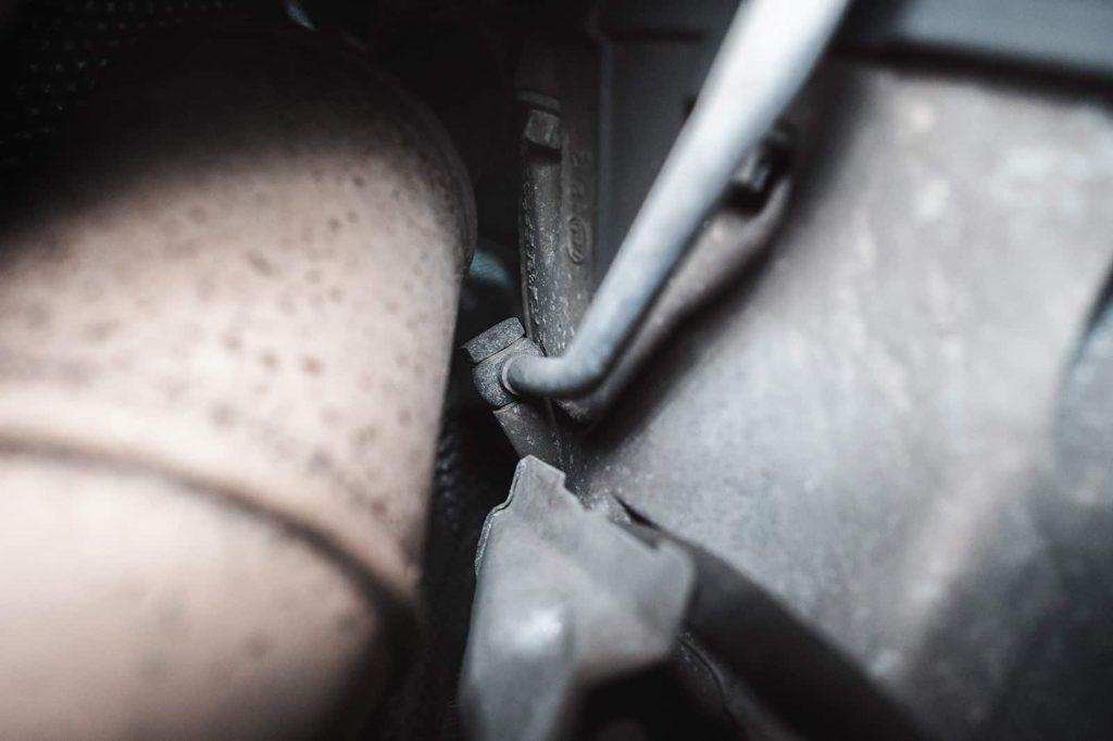 Болт правой трубки охлаждения АКПП