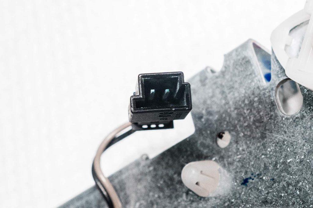 Окислы внутри разъёма контактной площадки