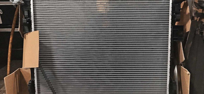Радиатор Таун Кантри системы охлаждения