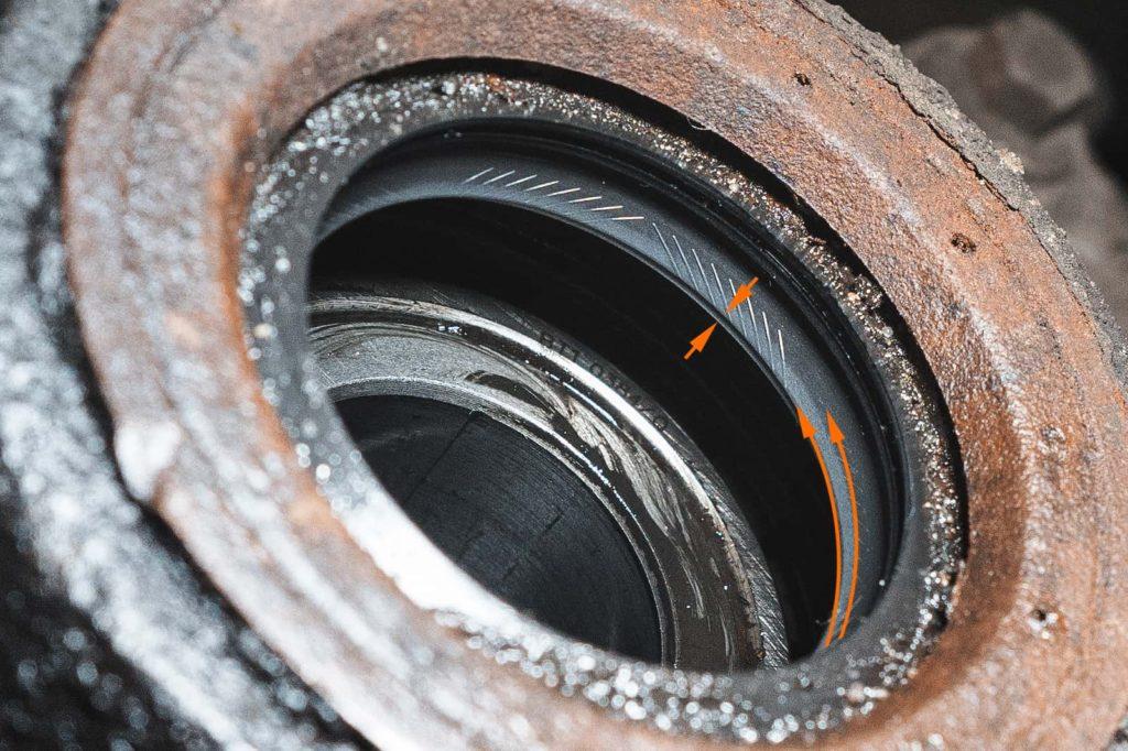Износ внутренней кромки сальника привода Додж Джорни