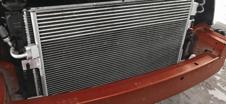 Радиатор кондиционера Додж Калибр без признаков течи